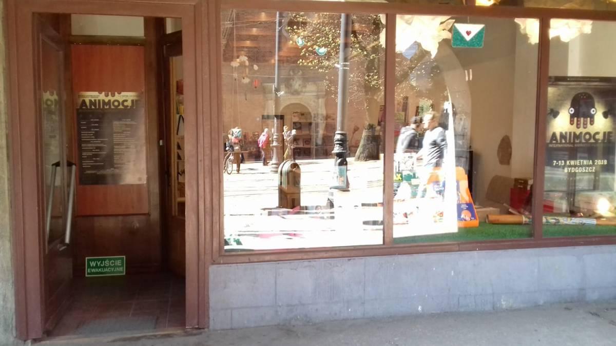 "Bookshop ""Skrzynka na bajki"""