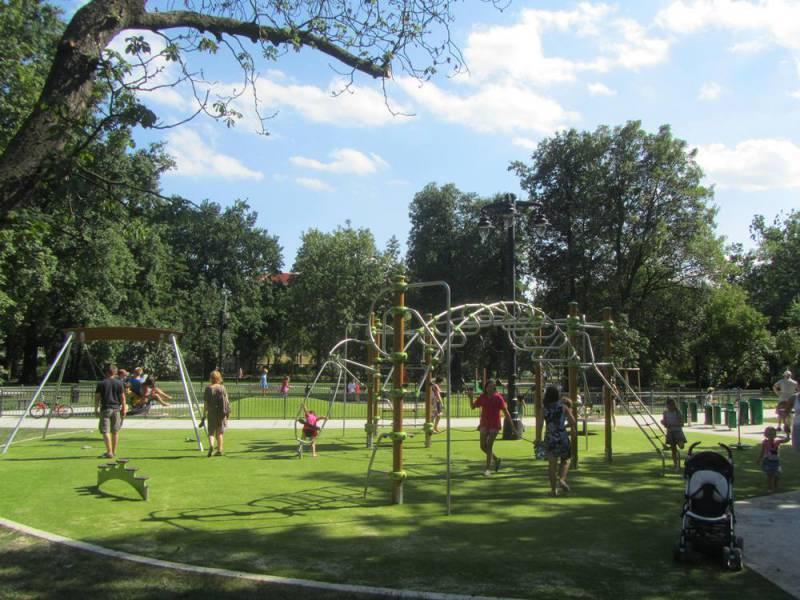 Muzyczny plac zabaw w parku im. Jana Kochanowskiego