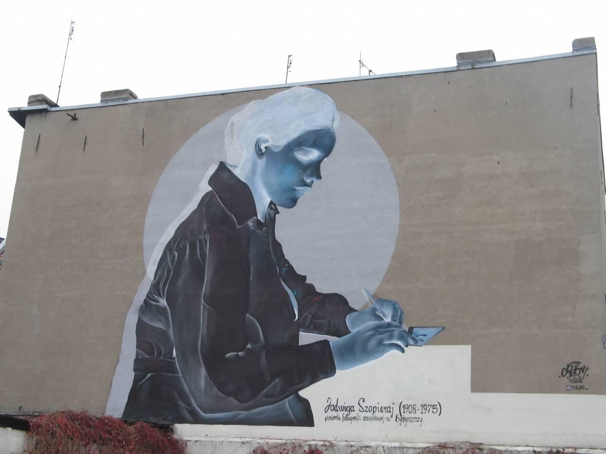 Fotografka Jadwiga Szopieraj (mural w negatywie)